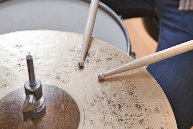 Playing Drumsの写真素材 [FYI03658051]