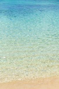透明感あふれる宮古島の海の写真素材 [FYI03660611]