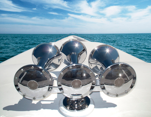 Close up of horns on yacht's stemの写真素材 [FYI03668421]