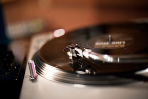 Close-up view of record needleの写真素材 [FYI03670605]