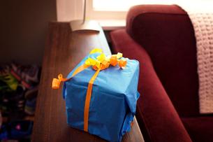Present on tableの写真素材 [FYI03675638]