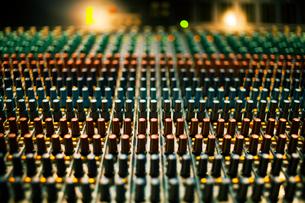 Close-up of sound mixer,の写真素材 [FYI03676671]