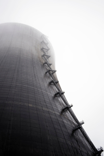 Low angle view of nuclear reactorの写真素材 [FYI03685401]