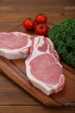 豚肉の厚切りの写真素材 [FYI03685927]