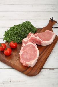 豚肉の厚切りの写真素材 [FYI03686078]