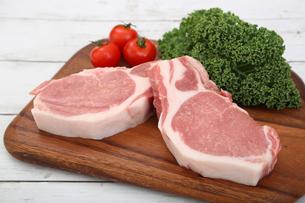 豚肉の厚切りの写真素材 [FYI03686158]