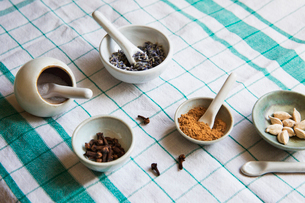 High angle view of spices and sugar on tableの写真素材 [FYI03693616]