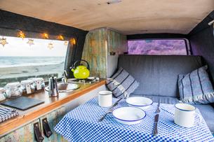 Interior of camper vanの写真素材 [FYI03726076]