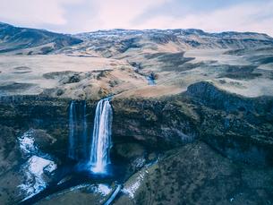 High angle idyllic view of waterfall on mountainsの写真素材 [FYI03736870]