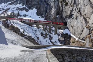 スイス、マッターホルン・ゴッタルド鉄道の写真素材 [FYI03750854]