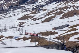 スイス、マッターホルン・ゴッタルド鉄道の写真素材 [FYI03750857]