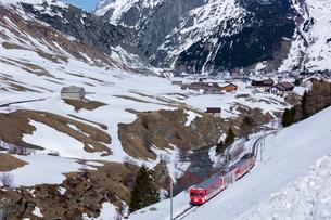 スイス、マッターホルン・ゴッタルド鉄道の写真素材 [FYI03750891]