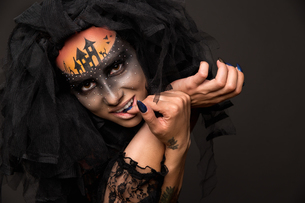 Halloween devil's bride with scary gothic makeupの写真素材 [FYI03757475]