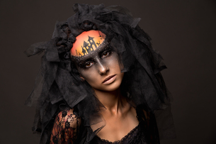Halloween devil's bride with scary gothic makeupの写真素材 [FYI03757477]