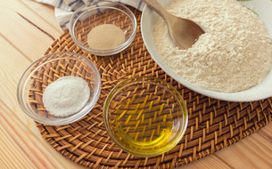 Natural and healthy ingredients prepared for cookingの写真素材 [FYI03758091]