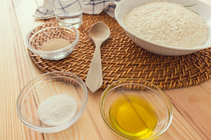 Natural and healthy ingredients prepared for cookingの写真素材 [FYI03758094]