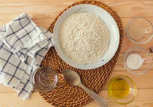 Natural and healthy ingredients prepared for cookingの写真素材 [FYI03758095]