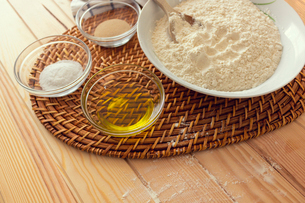 Natural and healthy ingredients prepared for cookingの写真素材 [FYI03758096]