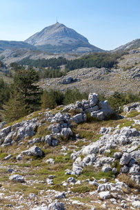 Views of Lovcen National Park with Njegos's Mausoleum in the distance, Montenegroの写真素材 [FYI03759540]