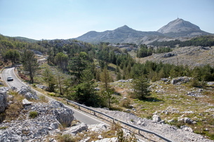 Views of Lovcen National Park with Njegos's Mausoleum in the distance, Montenegroの写真素材 [FYI03759559]