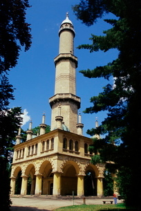 Turkish style minaret in chateau gardens, Lednice, South Moraviaの写真素材 [FYI03759703]