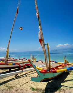 Prahu boats, Sanur Beach, Bali, Indonesia, Southeast Asiaの写真素材 [FYI03759833]