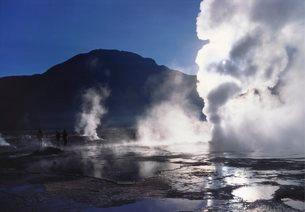 Steam Rising From Geysers and Fumaroles, El Tatio, Atacamaの写真素材 [FYI03760075]