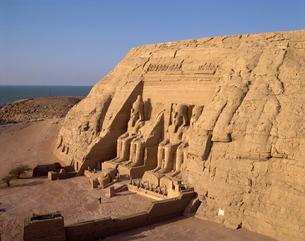 Great Temple of Ramses II, Abu Simbel, Nubiaの写真素材 [FYI03760170]