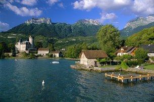 Lac d'Annecy, Haute Savoie, Rhone Alpesの写真素材 [FYI03760243]