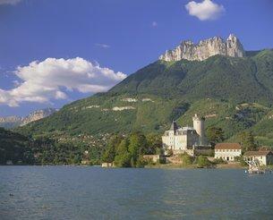 Lac d'Annecy, Haute Savoie, Rhone Alpesの写真素材 [FYI03760267]