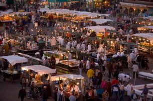 Food stalls in the evening, Djemaa el Fna, Marrakeshの写真素材 [FYI03760383]