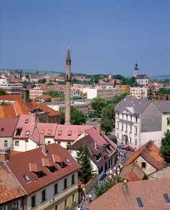 Houses, the Turkish minaret, and churches in the town of Eger, Hungaryの写真素材 [FYI03760498]