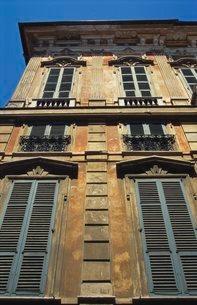Building Exterior Showing Window Shutters, Genoaの写真素材 [FYI03760689]