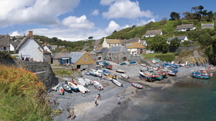 Cadgwith harbour, fishing village and port, Cornwallの写真素材 [FYI03760755]
