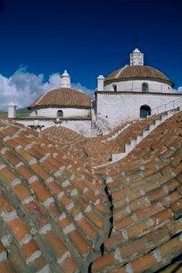 Roof top view, Convent of San Francisco, Potosi, Boliviaの写真素材 [FYI03760921]