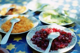 Plates of Moroccan salad, traditional first course in restaurants, Marrakesh (Marrakech)の写真素材 [FYI03761099]