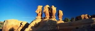 Sculptured rock formations, Devil's Garden, Grand Staircase Escalanteの写真素材 [FYI03761258]