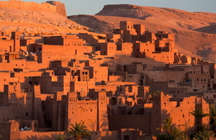 Kasbah Ait Benhaddou, an ancient fortified village (Ksar) on the old caravan route between The Saharの写真素材 [FYI03761440]