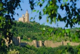 The Citadel, 14th c Bulgar capital, Velike Turnove, Bulgariaの写真素材 [FYI03761563]