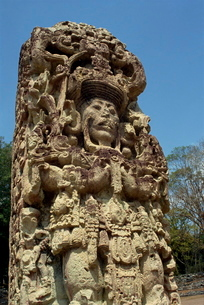 A carved Staela B, dating from the 8th century AD at the Mayan site of Copan, Hondurasの写真素材 [FYI03761824]