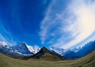 Fish Eye Lens of Mt Eiger, Mt Jungfrau and Mt Monch, Bernese Oberlandの写真素材 [FYI03761944]