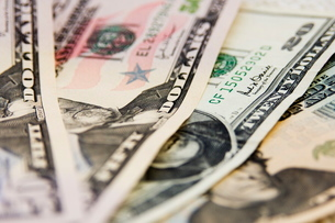 US currency, 50 and 20 dollar billsの写真素材 [FYI03762055]