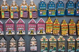 Souvenir refrigerator magnets, Amsterdam, Netherlandsの写真素材 [FYI03762097]