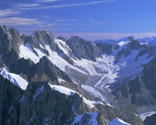 Mountains of the Mont Blanc Range near Chamonix, French Alps, Haute-Savoieの写真素材 [FYI03762521]