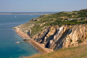 Alum Bay and The Solent, Isle of Wightの写真素材 [FYI03762569]
