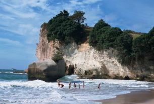Stunning beaches, stacks and arches, Whitianga white chalk cliffs, Coromandel, North Island, New Zeaの写真素材 [FYI03762905]