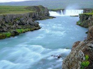Godafoss or Fall of the Gods, horseshoe falls on the 175m long glacial Skjalfandafljot River in a 70の写真素材 [FYI03762932]