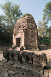 Temples in the ancient pre Angkor capital of Chenla, Cambodia, Indochina, Southeast Asiaの写真素材 [FYI03763068]