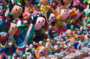 Colourful dolls for sale in Guanajuato, Guanajuato State, Mexico'の写真素材 [FYI03763206]