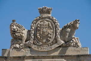 Coat of arms on the Grand Master's Palace, Valletta, Maltaの写真素材 [FYI03763271]